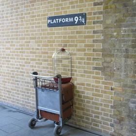 Have my photo taken at Platform 9 3/4 - Bucket List Ideas