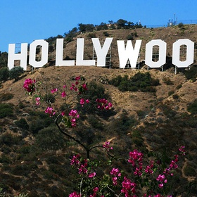 Sit on the holloywood sign - Bucket List Ideas