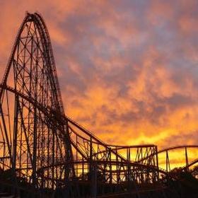 Visit every amusement park across the US - Bucket List Ideas