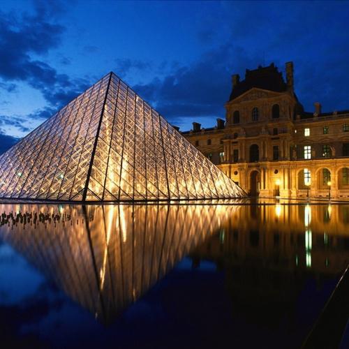 Visit the Louvre in Paris - Bucket List Ideas
