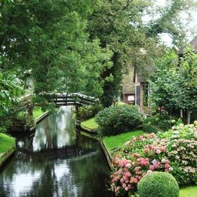 Live in Giethoorn Holland - Bucket List Ideas