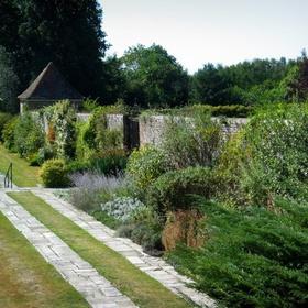 Visit the Secret Garden of England - Bucket List Ideas