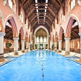Take a swim in the Repton Park swimming pool - Bucket List Ideas