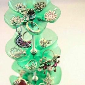 Construction of jewels places with water bottles - Bucket List Ideas