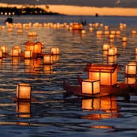 Go to a floating lantern festival - Bucket List Ideas