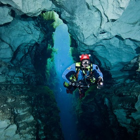 Go diving at Piccaninnie Caves - Bucket List Ideas
