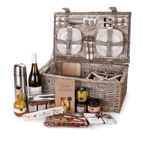 Buy a  picnic set - Bucket List Ideas