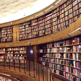 Go to a big library - Bucket List Ideas