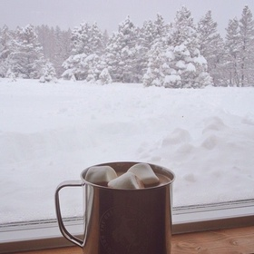 Watch the sunrise on a winter morning while drinking hot cocoa - Bucket List Ideas