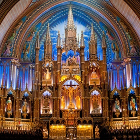 Go to Notre-Dame Basilica in Montreal, Canada - Bucket List Ideas