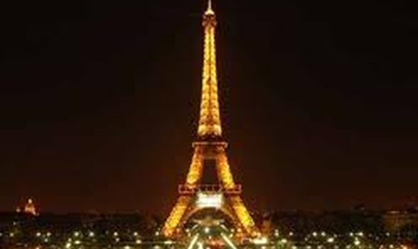 Visit the Eiffel Tower - Bucket List Ideas