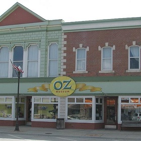 Visit the Wizard of Oz museum - Bucket List Ideas