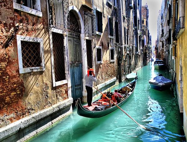 Ride in a gondola in Venice - Bucket List Ideas