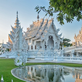 Visit temple of Wat Rong Kung, Thailand - Bucket List Ideas