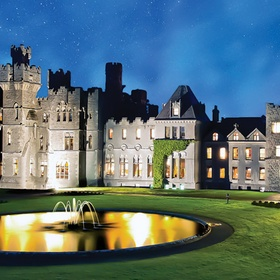 Visit Ireland and sleep in the castle - Bucket List Ideas