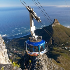 Go with cabel car to Table Mountain - Bucket List Ideas