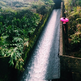 """Hike the """"White road hike"""" and slide down the hidden slide in Hawaii - Bucket List Ideas"""