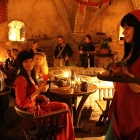 ⚜️Have an Authentic Medieval Dinner Feast - Bucket List Ideas