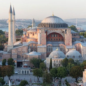 Visit Hagia Sofia in Istanbul, Turkey - Bucket List Ideas