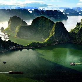 Visit Ha Long Bay in Vietnam - Bucket List Ideas