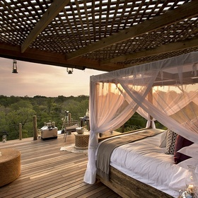 Stay overnight in a tree house lodge in Africa - Bucket List Ideas