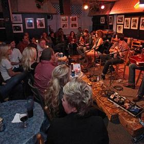 Watch a performance at the Bluebird Cafe in Nashville, TN - Bucket List Ideas