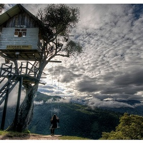 Go on the swing at the end of the world in Ecuador - Bucket List Ideas
