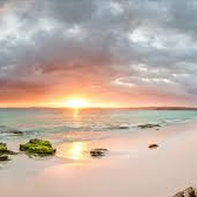 Get up early and watch the sunrise on a beach 🌅 - Bucket List Ideas