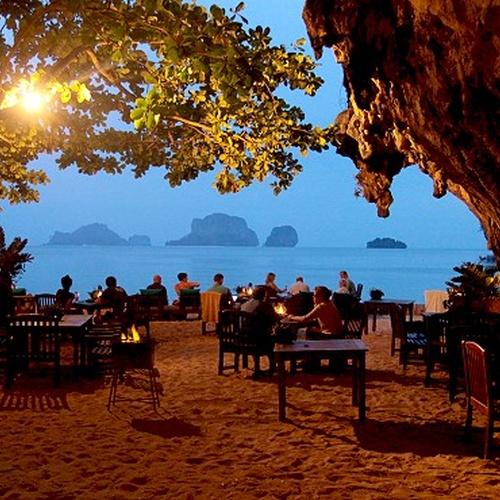🍴 Eat at The Grotto, Thailand - Bucket List Ideas