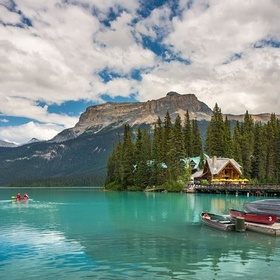 Visit Emerald Lake Lodge, Canada - Bucket List Ideas