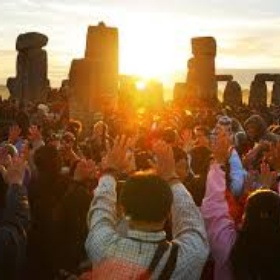Go to Stonehenge on the Summer Solstice - Bucket List Ideas