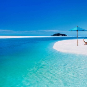 Go to the Whiteheaven beach - Bucket List Ideas