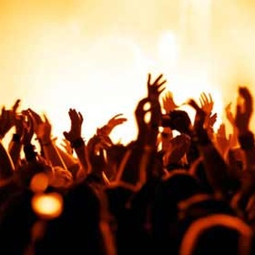 See my favorite singer in concert - Bucket List Ideas