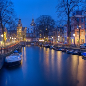 Explore Amsterdam canals by boat - Bucket List Ideas