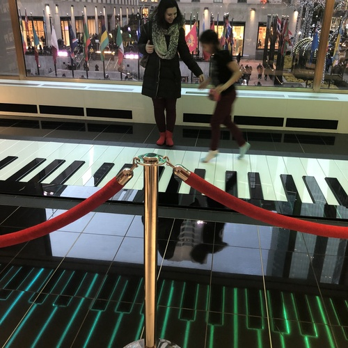 Play the giant piano at FAO Schwartz - Bucket List Ideas