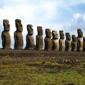 The Statues of Easter Island, Chile - Bucket List Ideas