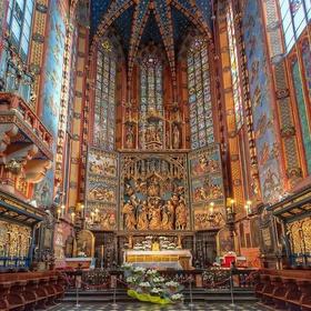 See St. Mary's Basilica in Krakow, Poland - Bucket List Ideas