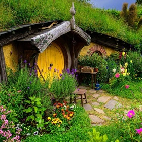 Visit Hobbiton - Bucket List Ideas