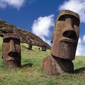 See an Easter Island Moai - Bucket List Ideas
