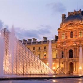 Visit the Musée du Louvre - Bucket List Ideas
