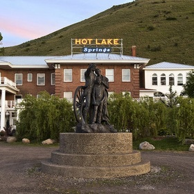 Visit Hot Lake Hotel & stay overnight - Bucket List Ideas
