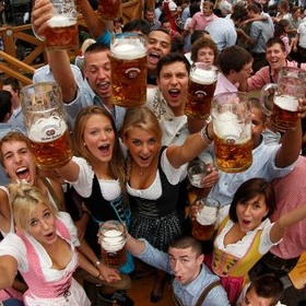 Drink beer at oktoberfest - Bucket List Ideas