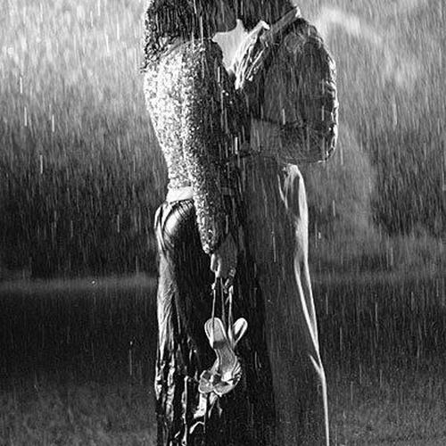 Be kissed in the rain - Bucket List Ideas