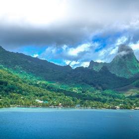 Scuba dive in French Polynesia - Bucket List Ideas