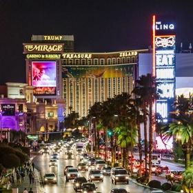 Drive down the Las Vegas Strip at night - Bucket List Ideas