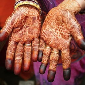 Visit India and get Henna tattoo - Bucket List Ideas