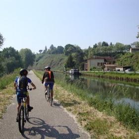 Cycle the canal du midi - Bucket List Ideas