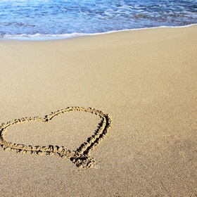 Draw a heart in the sand - Bucket List Ideas