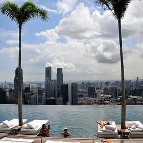 Swim in the infinite Pool, Hotel Marina Bay Sands, Singapore - Bucket List Ideas