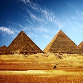 Go to Great Pyramid of Giza - Bucket List Ideas